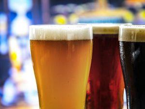 Her mit dem Bier!